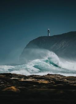 Widok na latarnię morską castle point, nowa zelandia