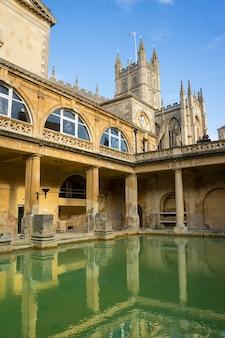 Widok na łaźnie rzymskie w bath, wielka brytania