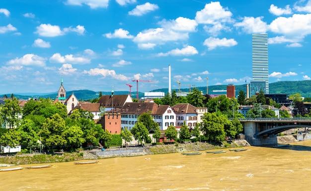 Widok na miasto bazylea z renem, szwajcaria