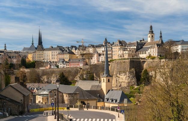 Widok na miasto luksemburg