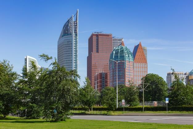 Widok na miasto w hadze w holandii