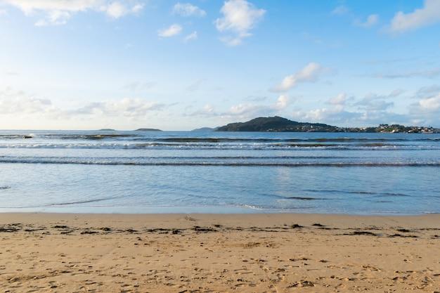 Widok na monte ferro z playa america. nigran - hiszpania