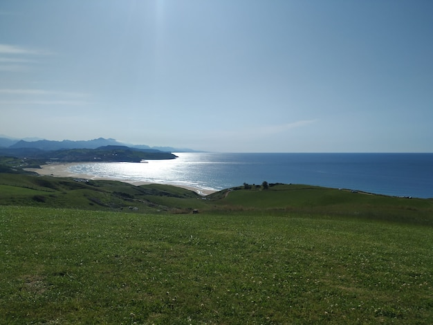 Widok na morze z gór