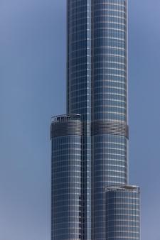 Widok na najwyższą wieżę świata burj khalifa, dubaj zea
