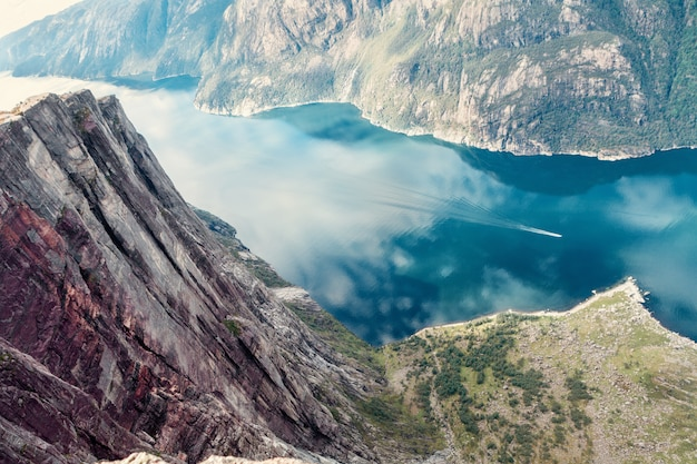 Widok na norweski fiord