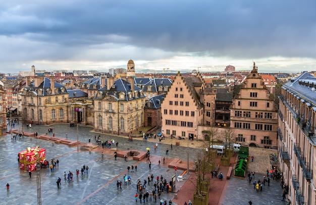Widok na pałac rohan w strasburgu