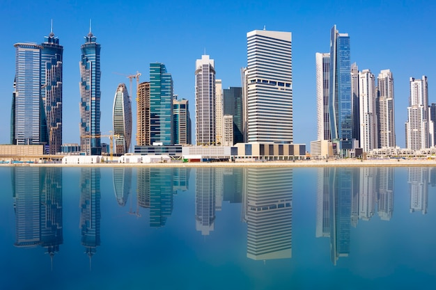 Widok na panoramę dubaju, zjednoczone emiraty arabskie