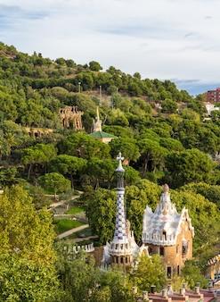 Widok na park guell w barcelonie