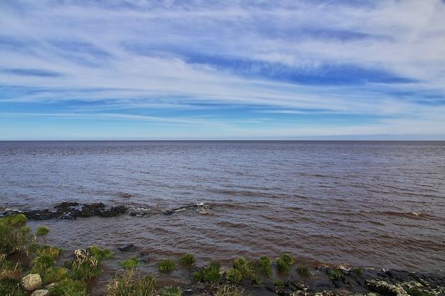 Widok na rzekę w colonia del sacramento, urugwaj