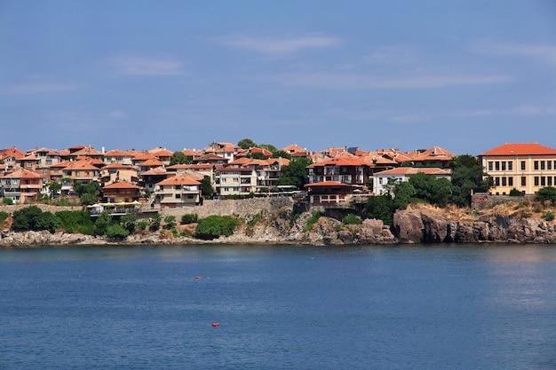 Widok na sozopol, wybrzeże morza czarnego, bułgaria
