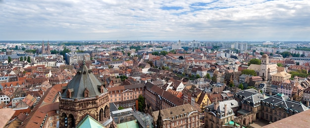 Widok na strasburg z dachu katedry