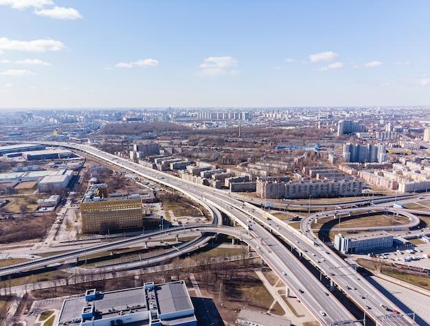Widok na węzły drogowe miasta