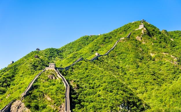 Widok na wielki mur chiński w juyongguan - pekin