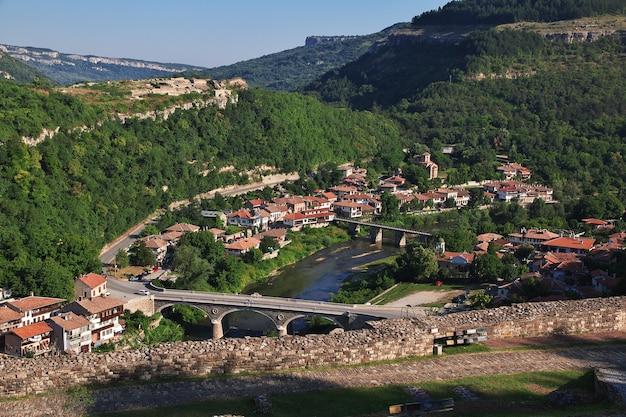 Widok Na Wielkie Tyrnowo W Bułgarii Premium Zdjęcia