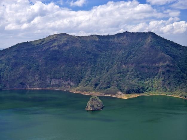 Widok na wulkan taal, filipiny