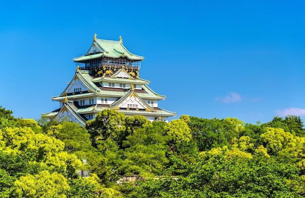 Widok na zamek w osace w osace w japonii