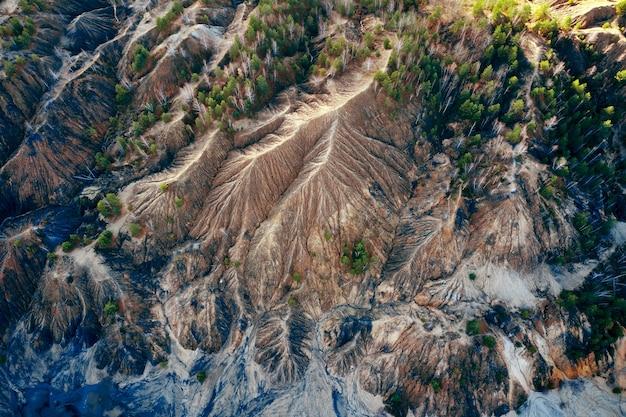 Widok obszarowy piaszczyste wzgórza jeziora rzeki teren