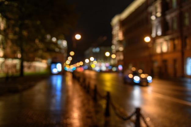 Widok ruchu na ulicy miasta, blured tło