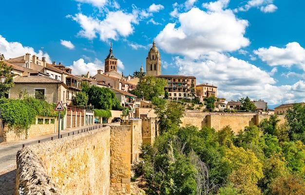 Widok segowii z katedrą w hiszpanii
