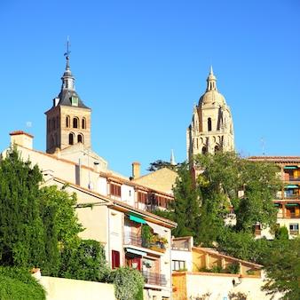 Widok starego miasta w segowii, hiszpania