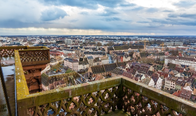 Widok strasburga z dachu katedry