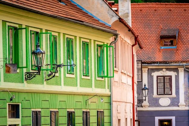 Widok ulicy pięknej architektury?