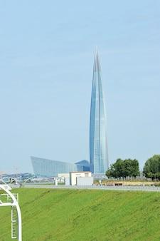 Widok wieżowca centrum lakhta w sankt petersburgu