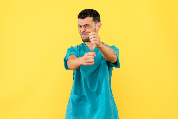 Widok z boku lekarz lekarz mówi o złych nawykach ludzi