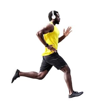 Widok z boku profilu biegacza człowieka na białym tle. strzał studio.