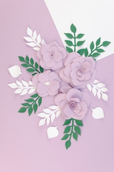 Widok z góry asortyment kwiatowy z fioletowym tle