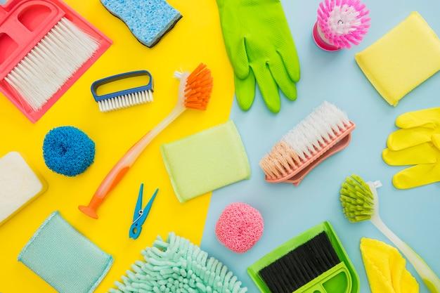 Widok z góry asortyment środków czyszczących