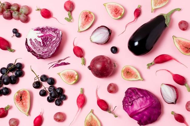 Widok z góry asortyment świeżych warzyw i owoców