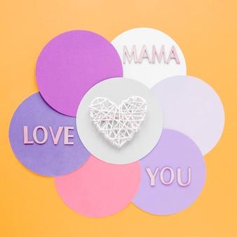 Widok z góry białe serce na dzień matki