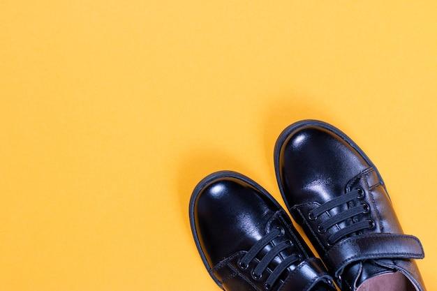Widok z góry czarne buty