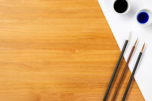 Widok z góry dzieło chińskiego atramentu z miejsca na kopię