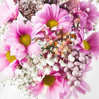 Widok z góry elegancki bukiet kwiatów