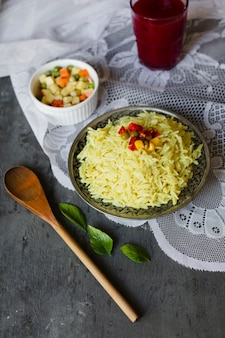 Widok z góry indyjskie danie z ryżu