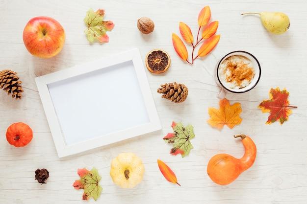 Widok z góry jesienią żywności z ramką