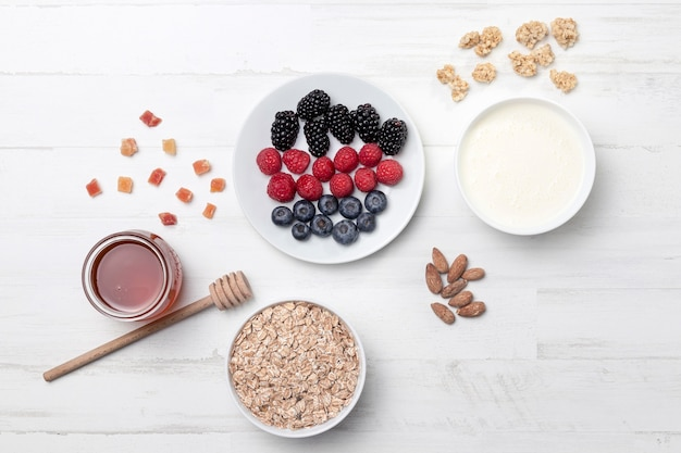 Widok z góry jogurt z owocami
