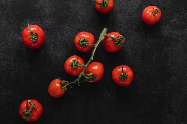 Widok z góry kilka pomidorów