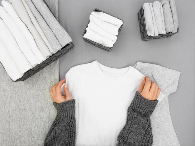 Widok z góry klasyfikuj ubrania