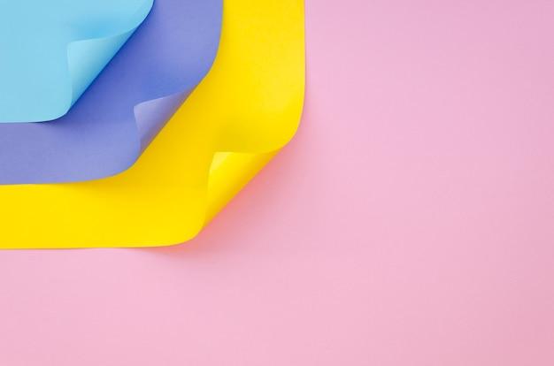 Widok z góry kolorowe kartki papieru z miejsca kopiowania