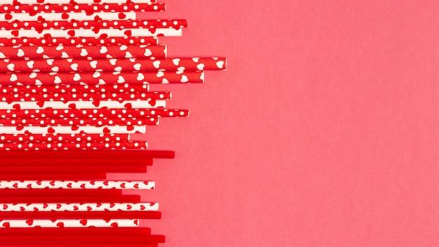 Widok z góry kolorowe plastikowe słomy kolekcji