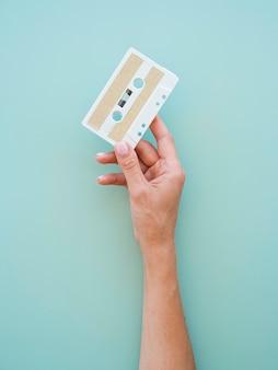 Widok z góry koncepcji muzyki z kasetą