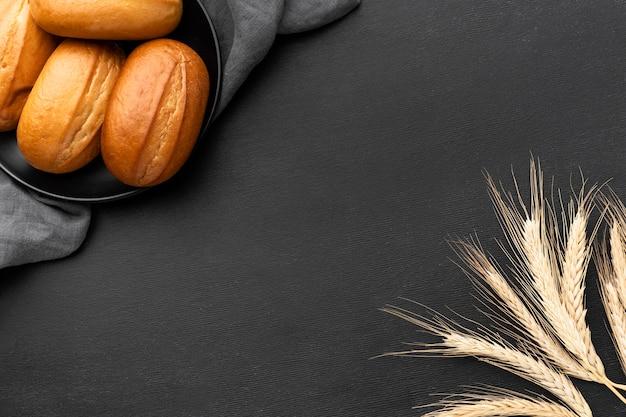 Widok z góry koncepcji pyszne bułeczki chleba