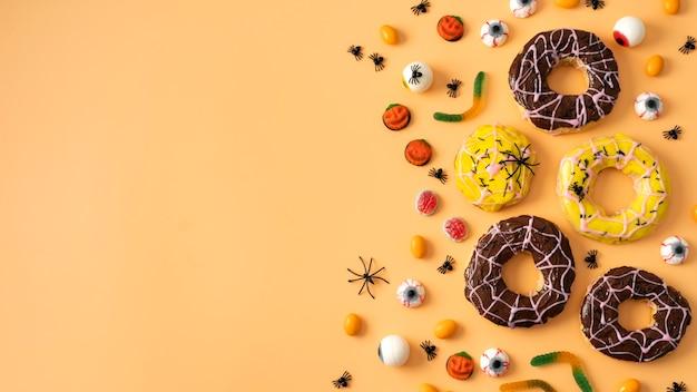 Widok Z Góry Kreatywny Asortyment Na Halloween Premium Zdjęcia