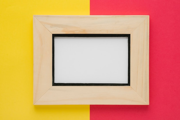 Widok z góry minimalistyczna drewniana rama
