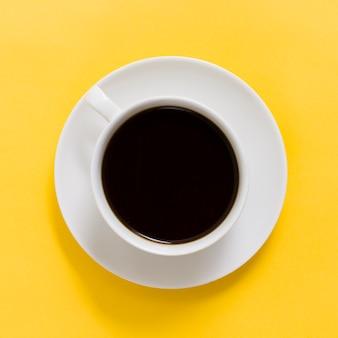 Widok z góry na filiżankę kawy