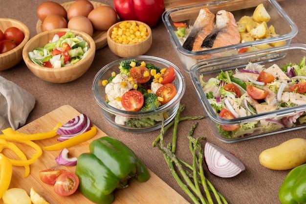 Widok z góry na odżywianie i planowanie posiłków