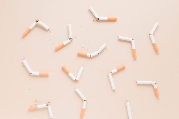 Widok z góry na papierosy